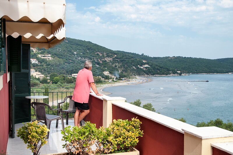 Apraos Bay Hotel In Kalamaki Beach, 100m from the lovely sandy beach, holiday rental in Apraos
