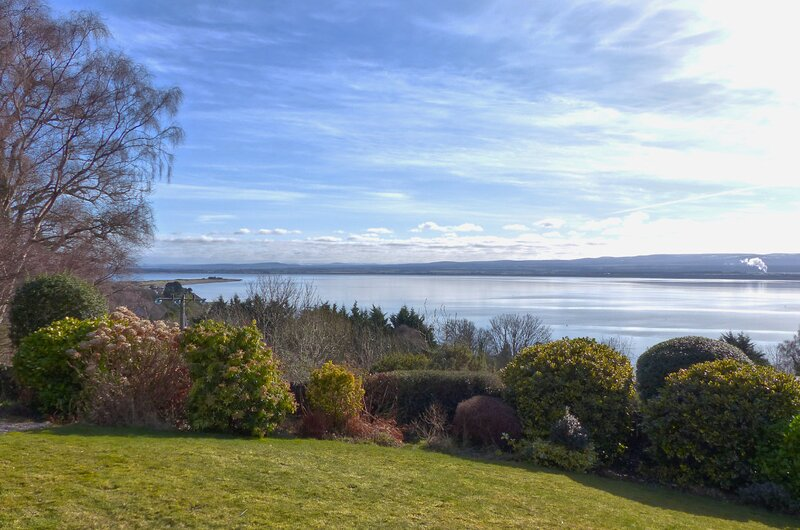 Chanonry View Holiday Cottage, Fortrose, Black Isle, Scottish Highlands, holiday rental in Ross and Cromarty