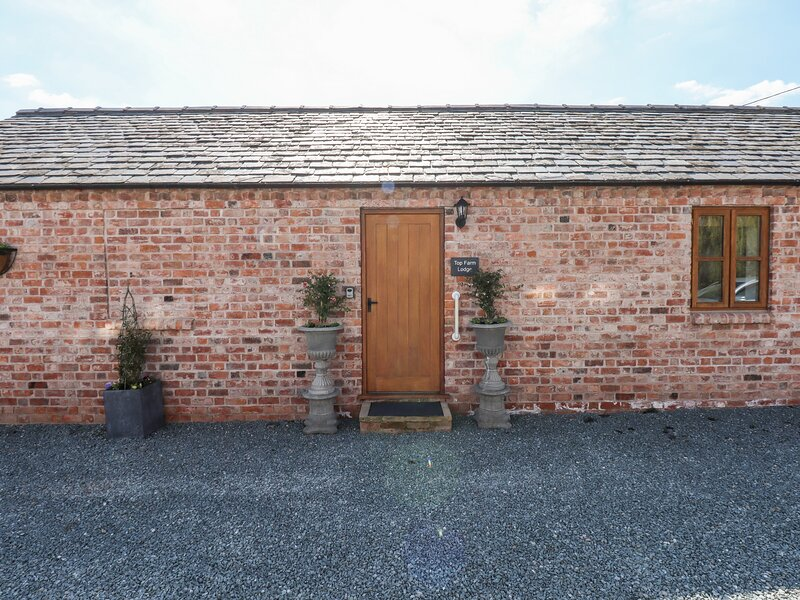 Top Farm Lodge (formerly The Goat's Shed), Knockin, location de vacances à Wollaston