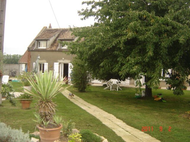 Big house with swimming-pool & Wifi, holiday rental in Chaumot