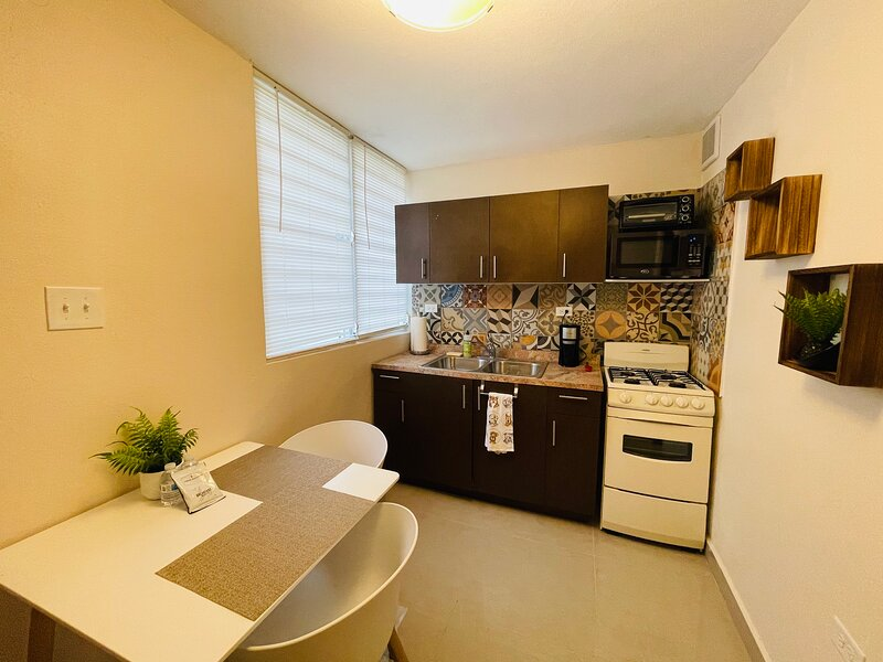 Nice apartment with patio, laundry, BBQ and pet friendly, holiday rental in Ponce