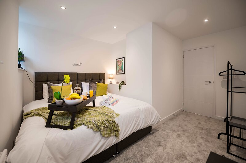 Charles Alexander Short Stay - Windmill House Apartments, location de vacances à Lytham
