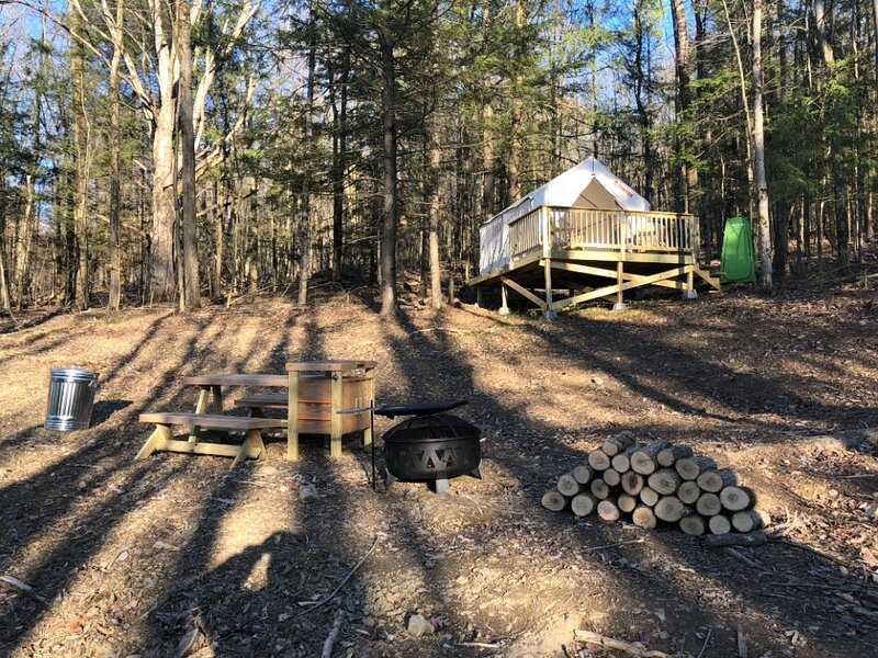 Tentrr Signature Site - Hart of the Woods, holiday rental in Spencer