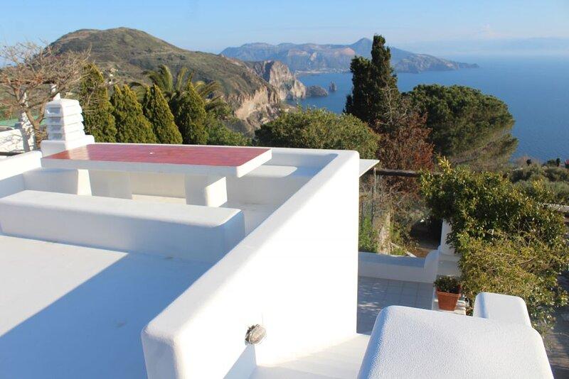 villa fronte Vulcano ab 955, location de vacances à Quattropani