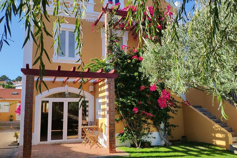Amazing house near the beach & Wifi, location de vacances à Foz Arelho