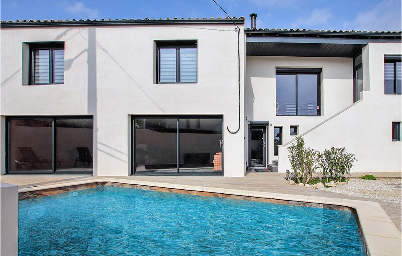 Awesome home in Les Angles with Outdoor swimming pool, WiFi and 3 Bedrooms (FLG6, location de vacances à Les Angles