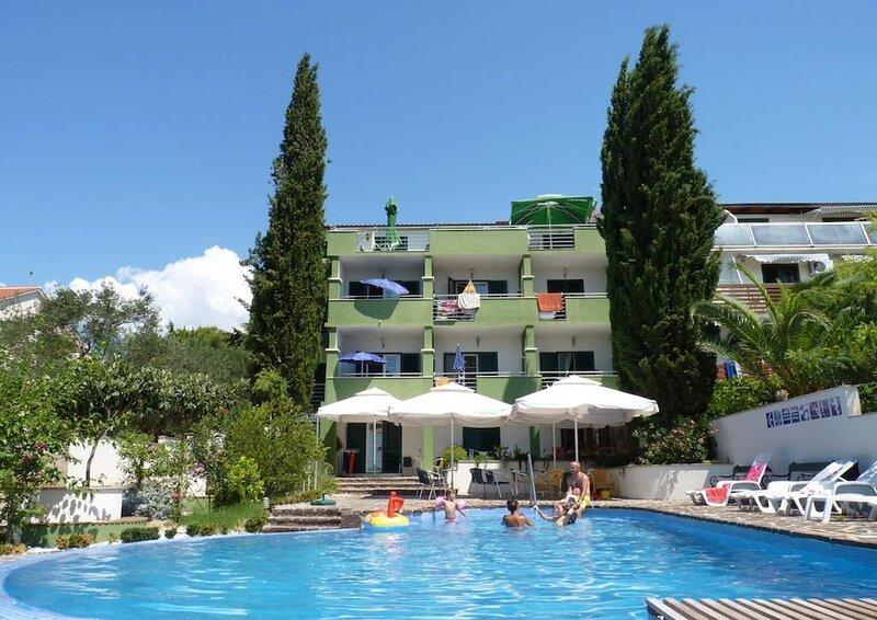 Viola - with pool :  A10(4+2) - Sveti Filip i Jakov, location de vacances à Sveti Filip i Jakov