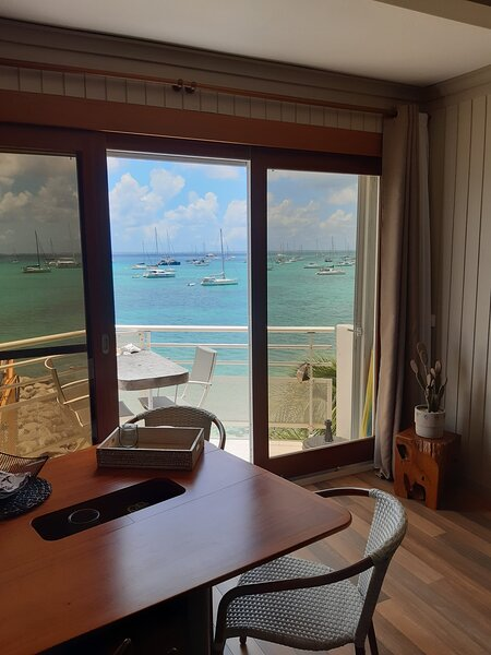 Studio charmant avec une vue superbe, holiday rental in Sandy Ground