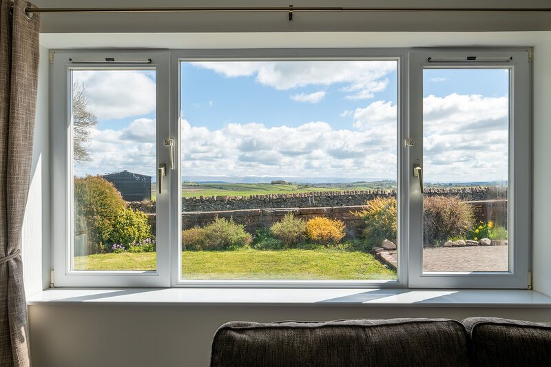 Mangahei Bungalow - 3-Bedroom bunaglow, situated on a working dairy farm, holiday rental in Troutbeck