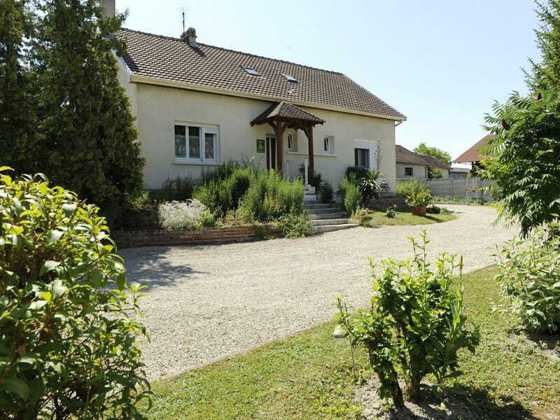 Les Yuccas, holiday rental in Lesmont