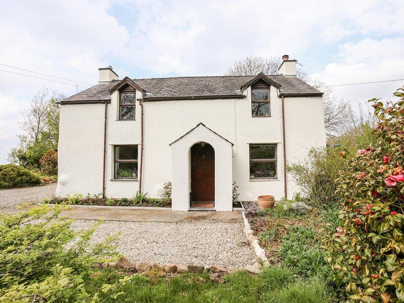 Glan Gwna Bach, Caernarfon, holiday rental in Llanrug