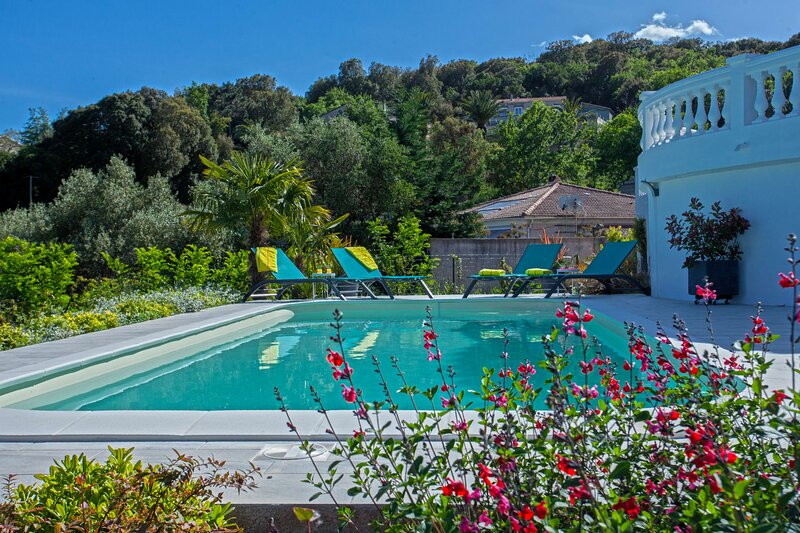 Villa Les Aralias, location de vacances à Sorbo-Ocagnano
