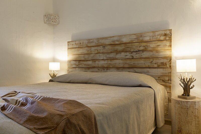 Residence Capraggia -Villino indipendente con giardino FED6, holiday rental in Cannigione