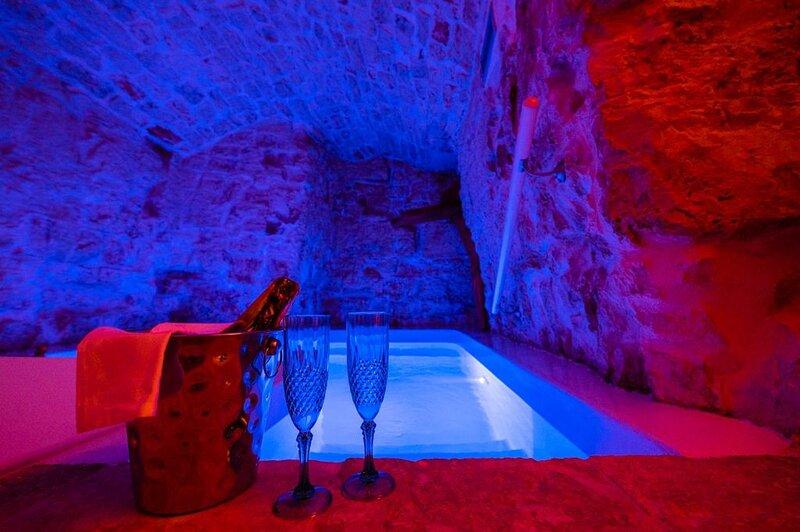 Petra Suite - Luxury Suite, holiday rental in Coreggia