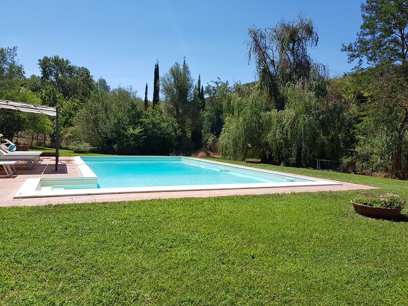 Charm's house with pool in Maremma, vacation rental in Istia d'Ombrone