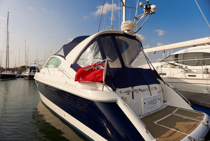 Y Knot - 34 foot luxury boat - The new way to holiday, holiday rental in Milford on Sea