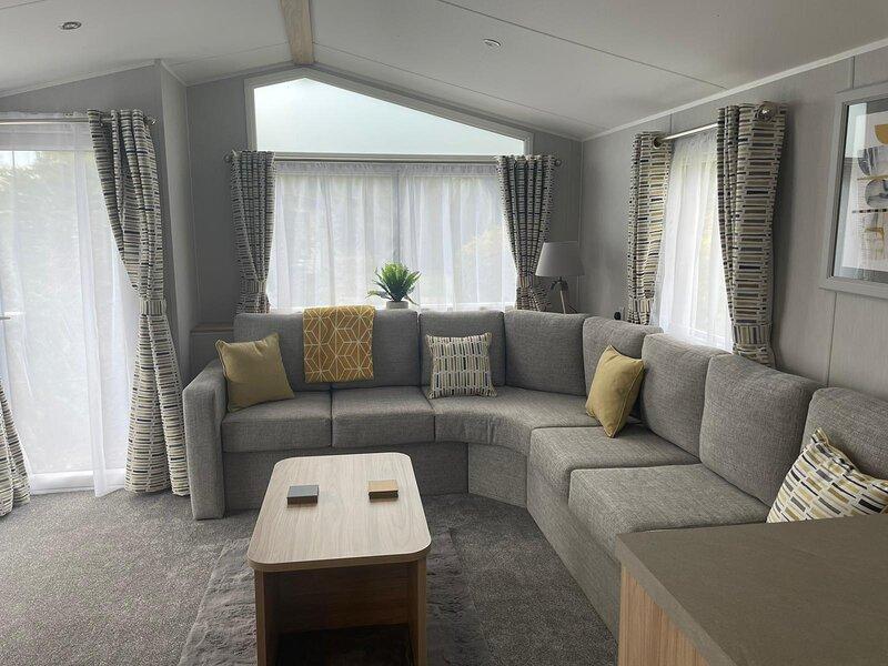 Beautiful 6 berth caravan at Southview Holiday Park in Skegness ref 33031S, aluguéis de temporada em Skegness