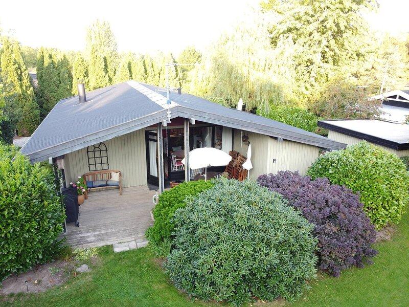 Charming Summerhouse near Liseleje, holiday rental in Tisvildeleje