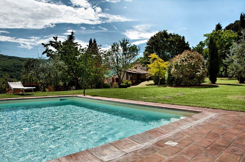 Casa ' Chakrya ' è una Porzione di colonica in posizione panoramica, holiday rental in Lucarelli