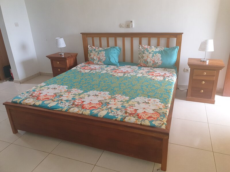 Lovely 1-Bed House, holiday rental in Yopougon