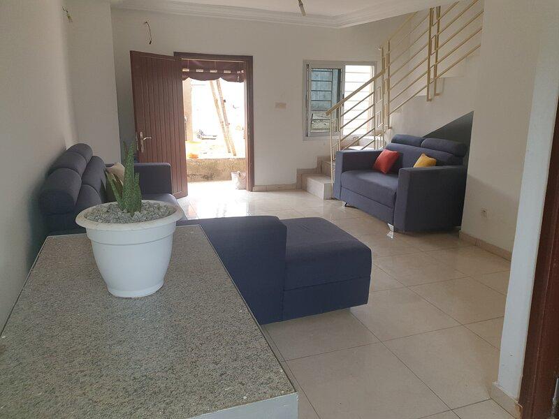 Residence Delaure 1 duplex split in two levels, casa vacanza a Grand Bassam