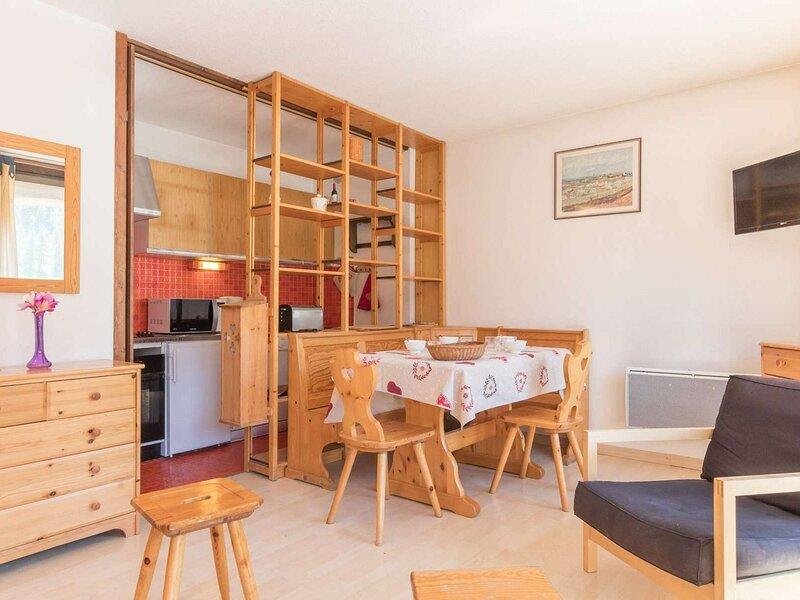 Hébergement de vacances 7 Pax, Montgenèvre., holiday rental in Cesana Torinese