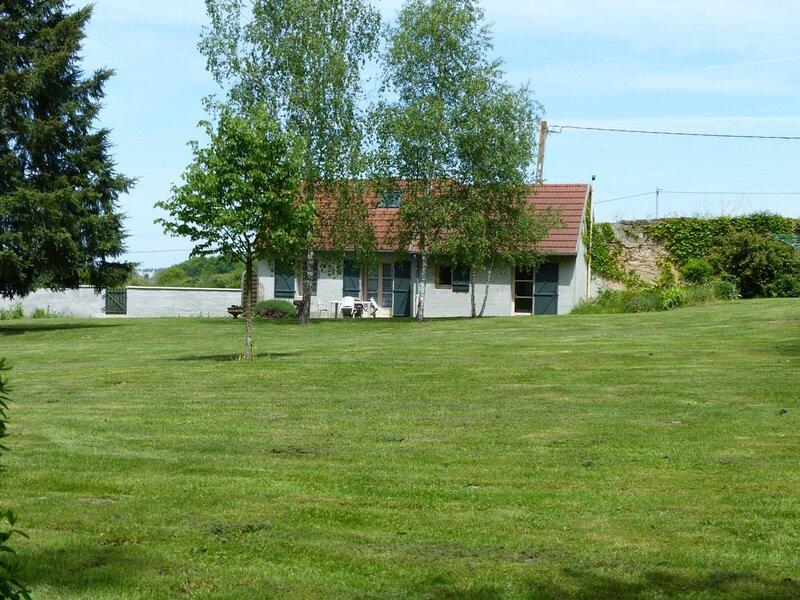 Maison Casa de Champbonnet, holiday rental in Dompierre-sur-Besbre