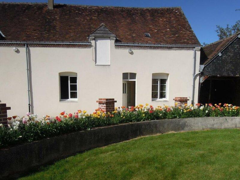Le petit Gîte des Bigotteries, vacation rental in La Chapelle-Vicomtesse