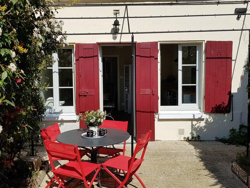 Les 2 Châteaux, holiday rental in Thore-la-Rochette