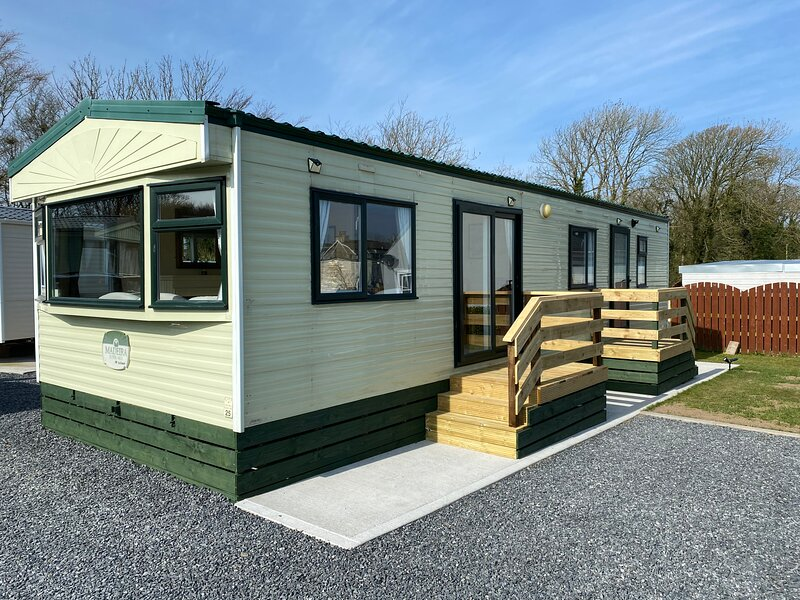 Charming two bedroom static caravan in whithorn, holiday rental in Isle of Whithorn