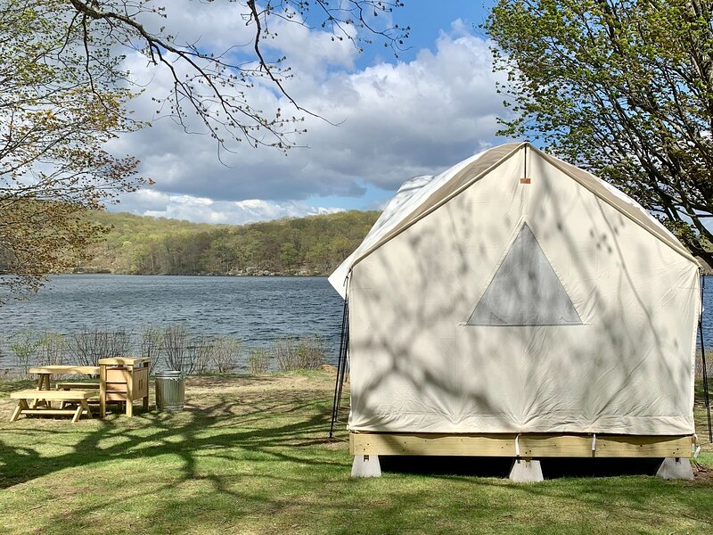 Tentrr State Park Site - NY Harriman State Park - Old Sebago Beach at Lake, holiday rental in Tuxedo Park