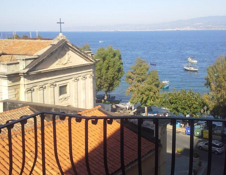 Milazzo Isole Eolie - Casa vacanza vista mare, location de vacances à Milazzo