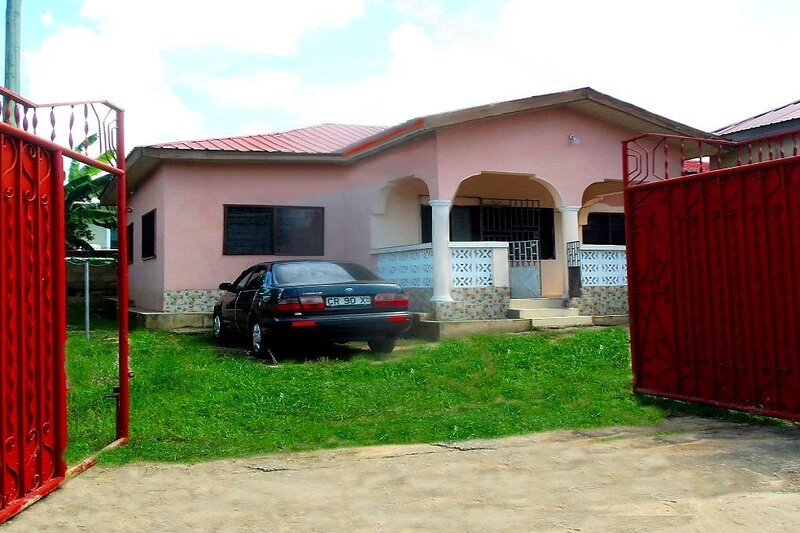 B&B:  Kate house, Cape Coast, Ghana, alquiler vacacional en Ghana