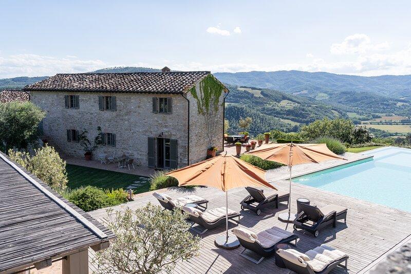 Luxury stay in San Giovanni del Pantano, Umbria, Italy, holiday rental in La Bruna