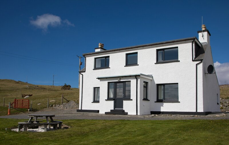 Corran, extensively renovated cottage overlooking the sands of Luskentyre