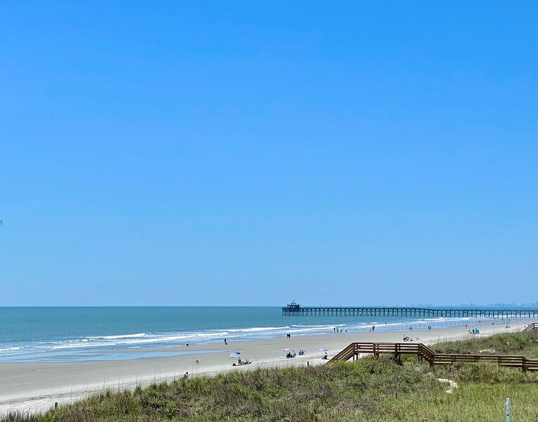 ★OCEANFRONT HOUSE ON THE SAND★♛6 Kings★12br, 12ba★Private Hot Tub★SLEEP 36★PGP, holiday rental in Little River