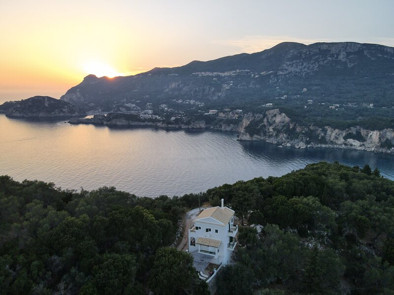 Sea view Villa with swimming pool - Close from the beaches, holiday rental in Gefira