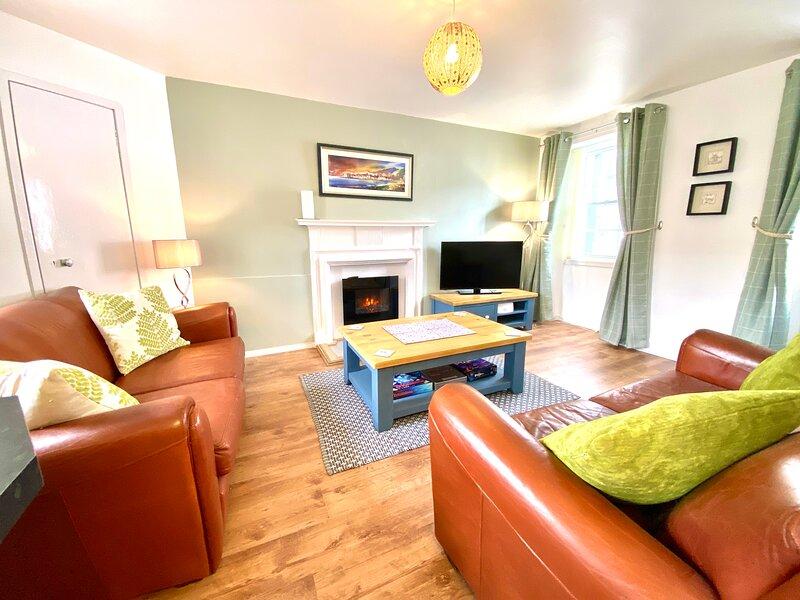 Cosy, Modern Apartment in the Centre of Inveraray - Freshly Renovated for 2021, location de vacances à Dalmally