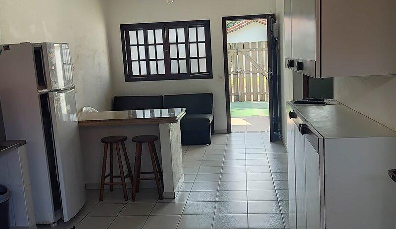 Casa completa perto da praia, alquiler vacacional en Ilha Comprida
