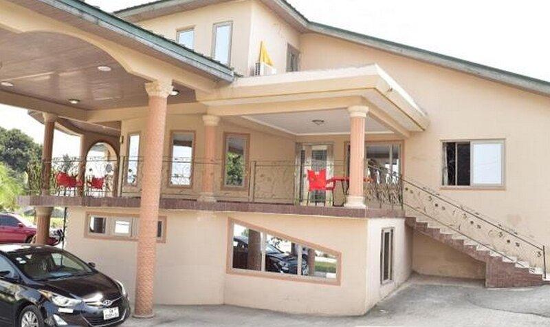 Chrisma Courts, Kasoa, holiday rental in Central Region