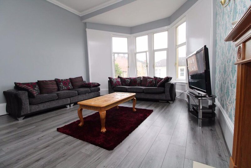 Stunning 3-Bed House in Glasgow, holiday rental in Bishopbriggs