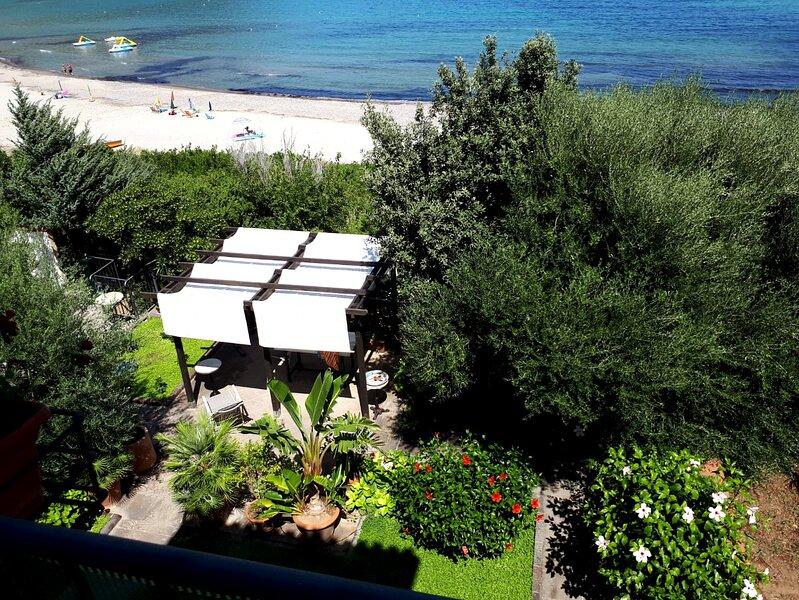 casa sulla spiaggia, bella vista sul mare, Bio4, location de vacances à Tertenia