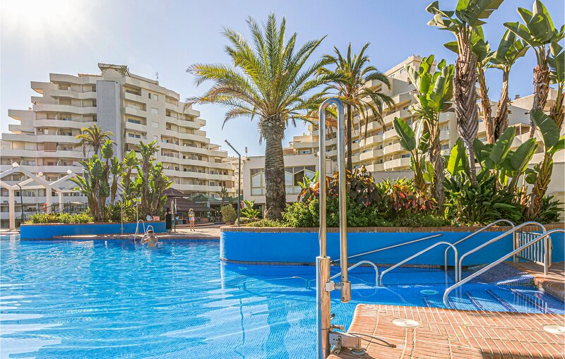 Awesome apartment in Benalmádena Costa with Indoor swimming pool, WiFi and Outd, vakantiewoning in Torrequebrada