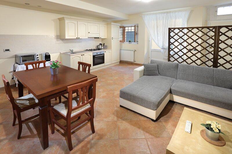 Borgo Toscano - Appartamento 'Il Pino', location de vacances à Colle di Buggiano
