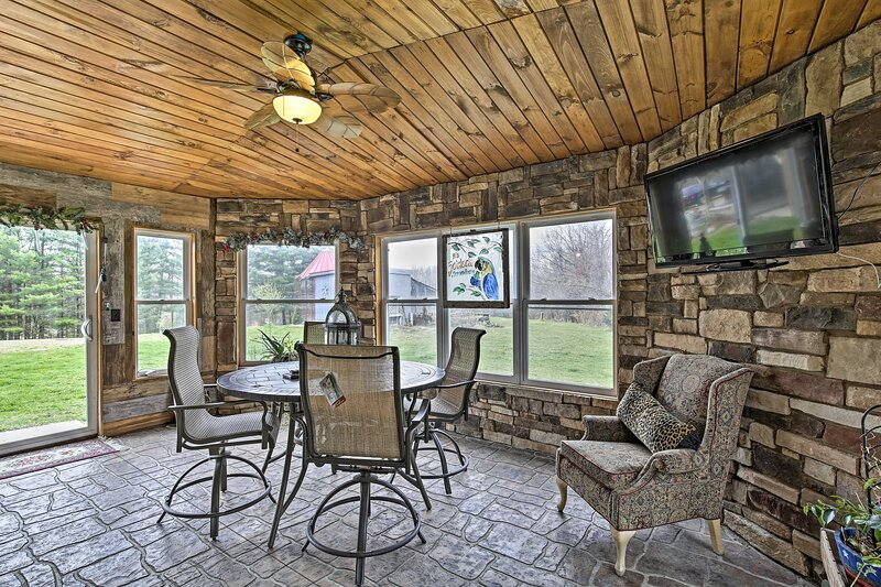 NEW! 4-Season Neillsville Home; Fire Pit by River!, vacation rental in Black River Falls