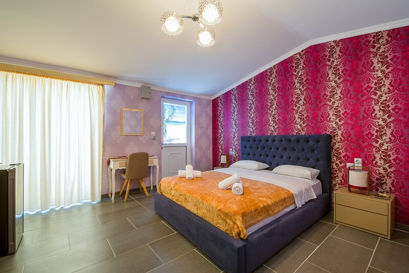Relaxing Holidays for 4 People, vacation rental in Stavros