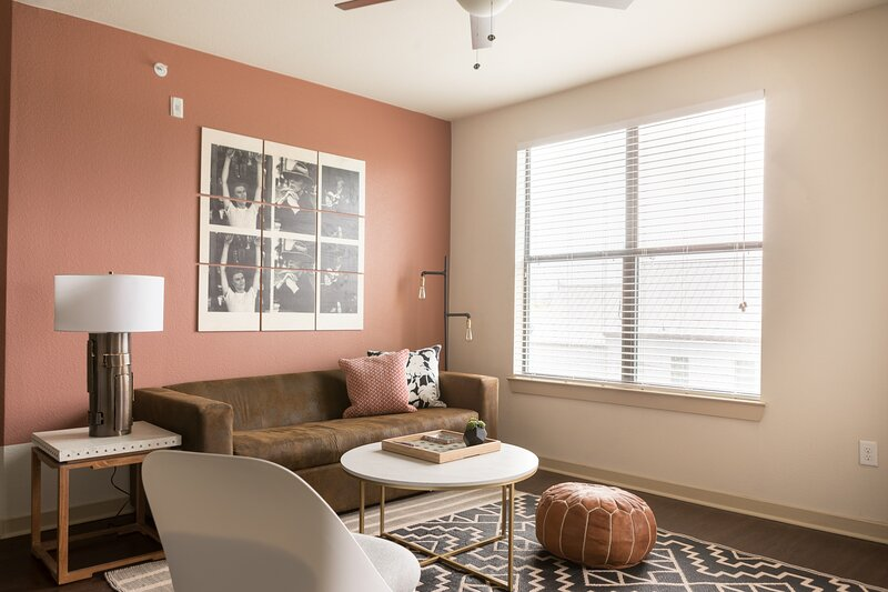 WanderJaunt | Cole | 2BR | Alamo Heights, holiday rental in Castle Hills