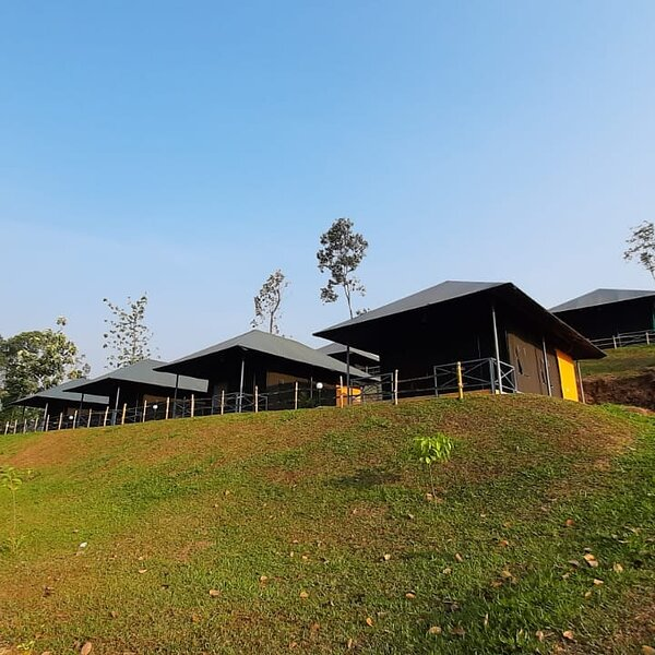 Birds Murmur Camp, Thattekkad, holiday rental in Thattekad