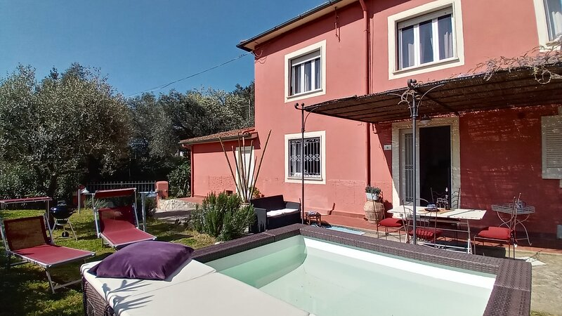 The pink House, holiday rental in Stiava