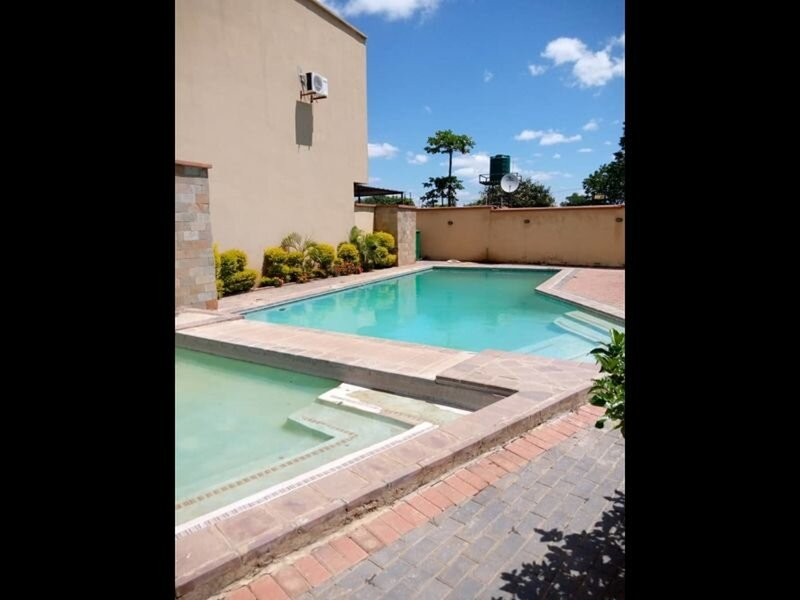 4 bedrooms exclusive apartment in Jesmondin – semesterbostad i Lusaka